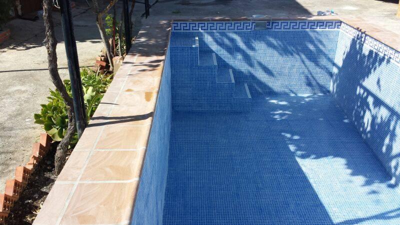 Construcci n piscinas gresite en m laga piscinas m laga for Construccion de piscinas en malaga