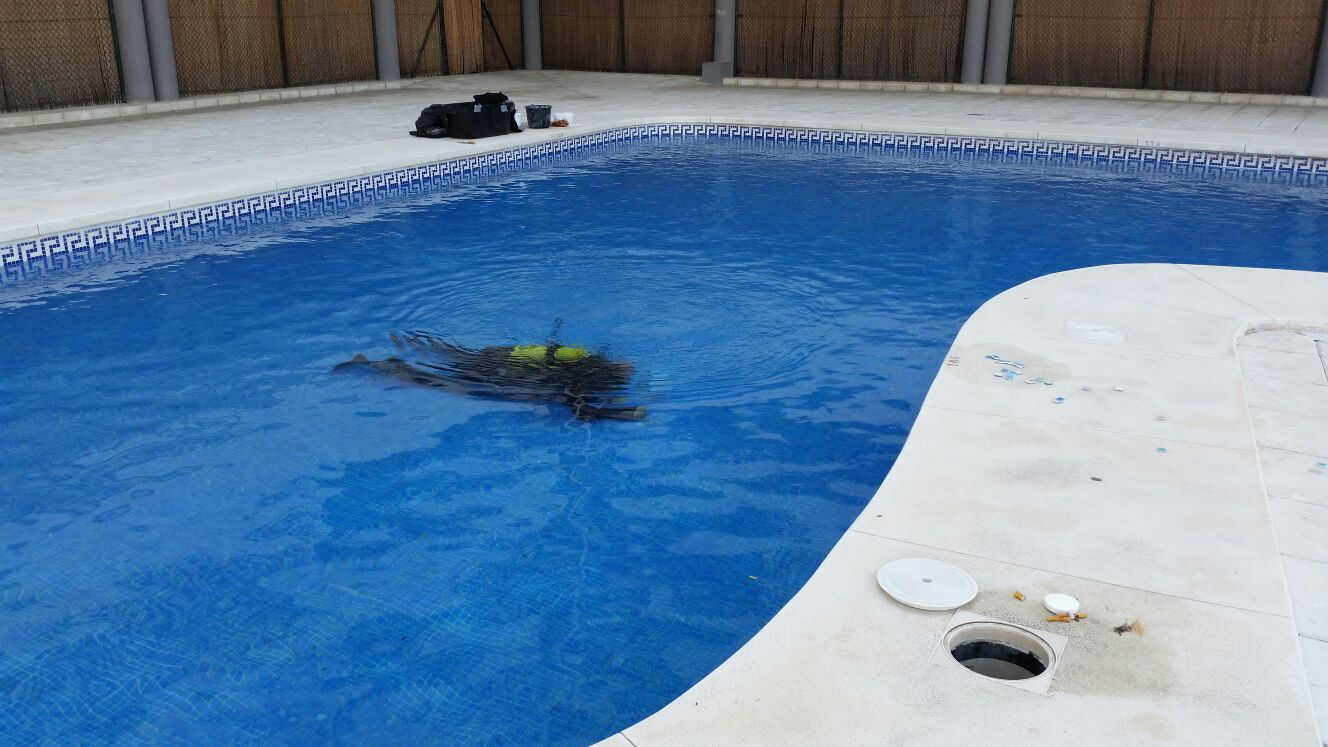 reparar piscina sin vaciar malaga