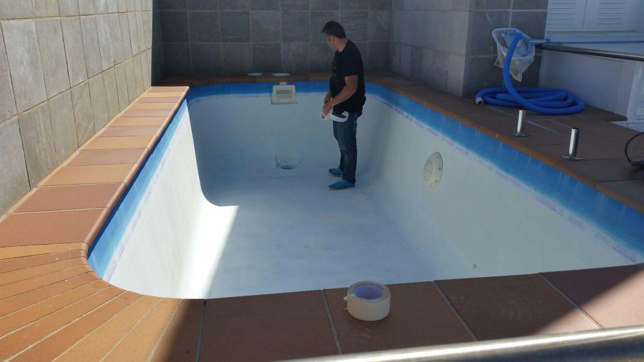 construccion piscinas poliester malaga