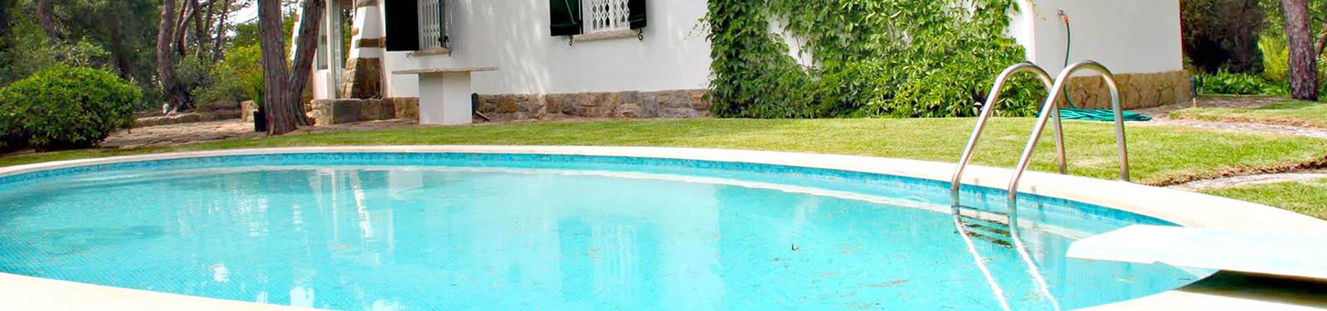 Empresa construccion piscinas de hormigon en malaga for Construccion de piscinas en malaga