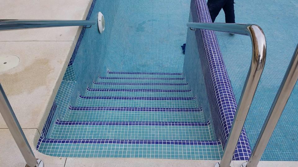 reparar piscina malaga
