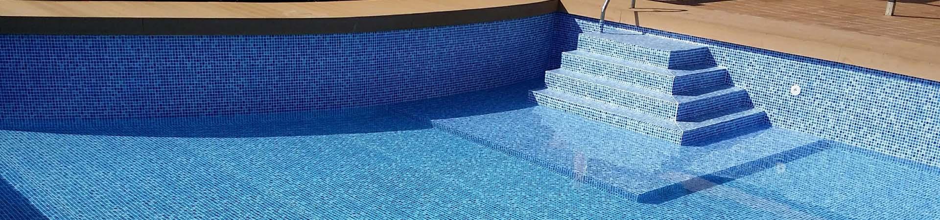 Trasumar empresa construccion piscinas liner malaga for Construccion de piscinas en malaga